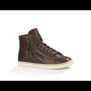 UGG Sneakers Chocolate color